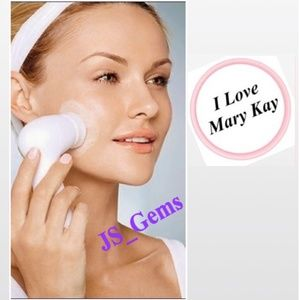New Facial Massage Cleansing Brush Female Beauty